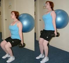 treinamento funcional com bola e halteres