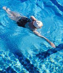 natacao atividades físicas depois dos 40 anos beneficios do esporte