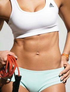 Pular corda emagrece e define o corpo