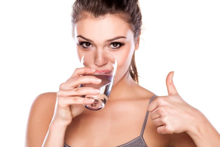 Alimentação para quem treina exige boa hidratação