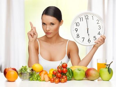 Dieta para afinar a cintura com sucos naturais e frutas