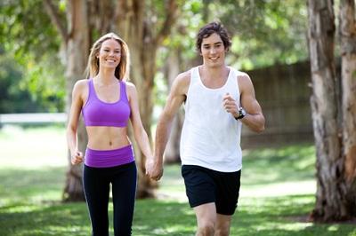 Os benefícios da caminhada para o corpo e a mente são vários