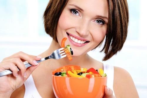 cuidados com a pele do rosto com alimentação saudável
