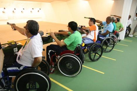 Tiro Esportes adaptados para deficientes