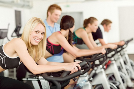 boa alimentação e exercícios físicos são bons hábitos para uma vida saudável