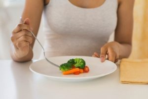 Quantas calorias consumir por dia para perder peso