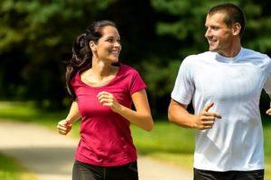 Pratica atividades físicas em boa companhia